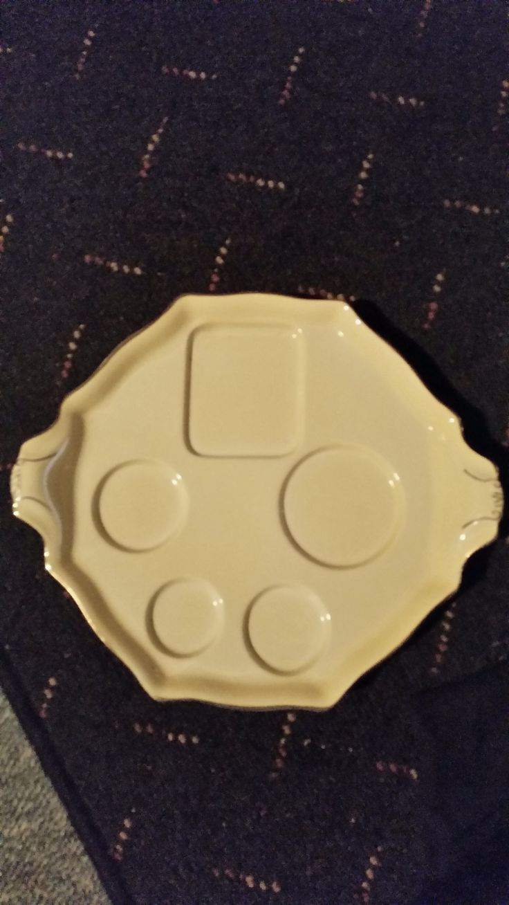 """Royal Winton Yellow Breakfast Tray. Designed to work with the """"Tiger Lily"""", """"Rose Bud"""" and """"Petunia"""" patterns. SOLD"""