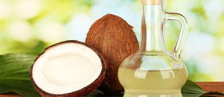 El aceite de coco es un producto idóneo para cuidar tanto nuestra piel como nuestro cabello. Descubre sus beneficios y usos.