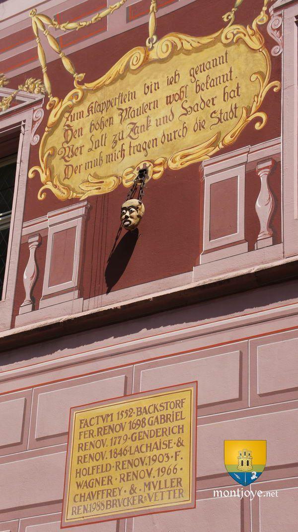 Hôtel de Ville de MulhouseL'Hôtel de Ville de Mulhouse est un édifice de style Renaissance Rhénane du XVe siècle mais modifié ultérieurement au XVIIe et XVIIIe. Symbole de puissance des bourgeois de la ville de Mulhouse, alors très longtemps indépendante, elle est aujourd'hui l'un des joyaux de la ville dont 17 bâtiments sont inscrits ou classés au titre des monument historiques, notamment une partie sur la Place de la Réunion.Actuellement...