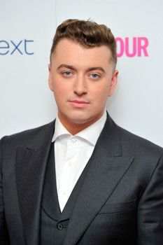 Sam Smith speaks out against dating apps Tinder and Grindr  http://www.examiner.com/article/sam-smith-speaks-out-against-dating-apps-tinder-and-grindr?cid=db_articles  #samsmith  #Examiner  #LGBT  #Tinder  #Grindr