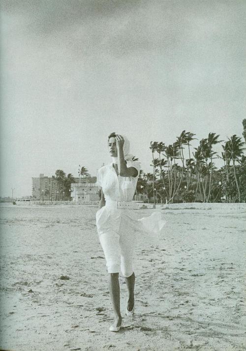 Strenesse, 1991  Model: Nadege du Bospertus