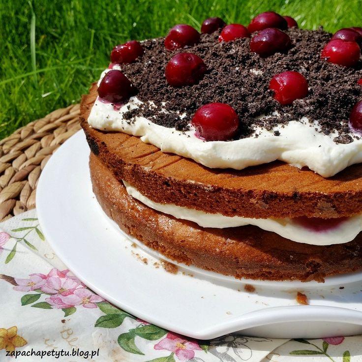#Birthday #cake with #cherries #zapachapetytu