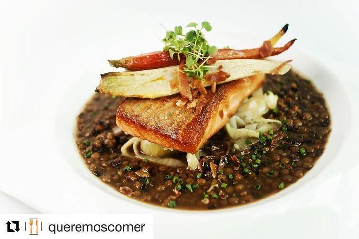 #Repost @queremoscomer ・・・ Salmon rostizado con lentejas en @eloise_rest , descubre más delicias en https://www.queremoscomer.rest/restaurantes/comida-francesa/san-angel-altavista/eloise-chic-cuisine/ #Foodstagram #Foodporn #Cdmx #Eloise #Somosfoodies #ChicCuisine #VenAComer #FrenchCuisine #Cocina #Delicious #FoodLovers #Gourmet #FineDining #Yummy #GastronomíaMx #100Imperdibles #RestauranteCDMX http://w3food.com/ipost/1516284932326188758/?code=BUK7RzBlGbW