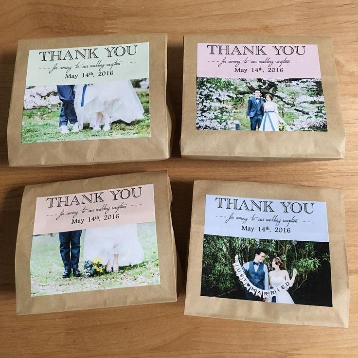 . プチギフトはガトーフェスタハラダのラスクにしました! . 中身は見えないのですが、ラッピングは前撮りの写真を使ったシールを4種類つくって、紙袋に貼りました◎ . #プレ花嫁 #プチギフト #プチギフトラッピング #プチギフトタグ #ウェディング #前撮り写真 #プチギフトラベル #結婚式 #結婚式diy #卒花 #ラスク #結婚準備