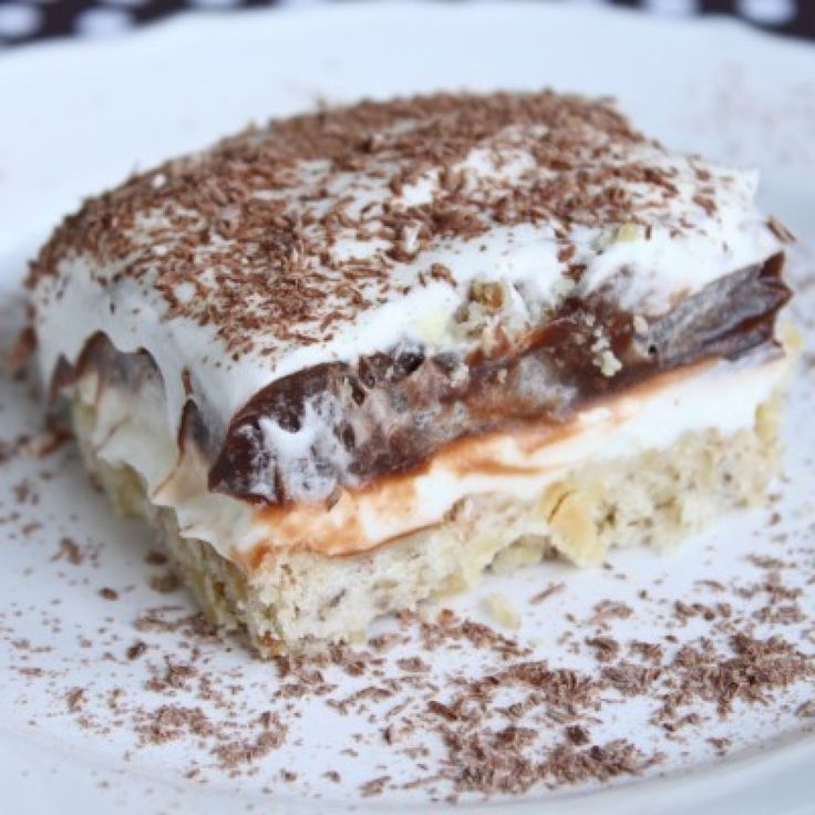 Robert Redford Cake - I remember having this dessert as a kid. The crust is kind of like shortbread cookies.