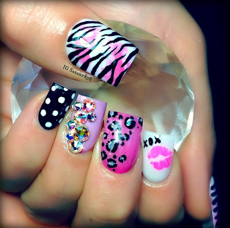 Girly Nail Art: Girly Nails! Gotta Have The Zebra Print! :)