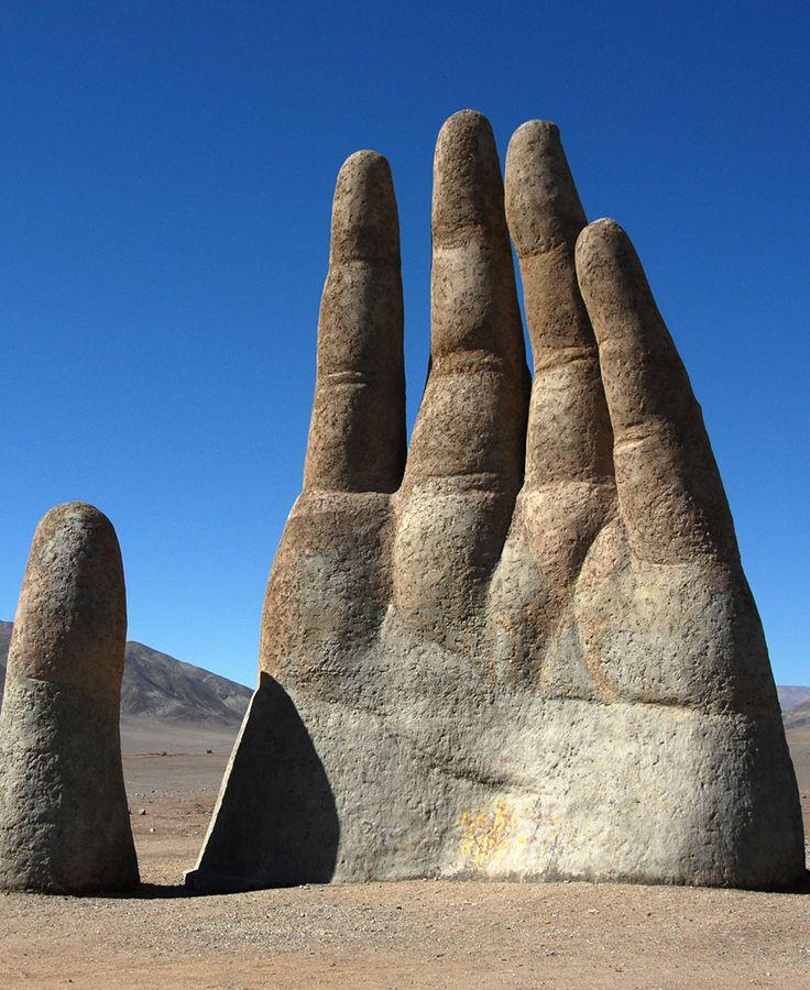La mano del desierto de Atacama, Chile. #chile #travel #viajar