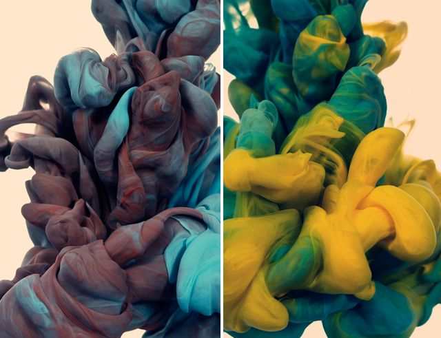 Two colors of ink in water by Alberto Seveso