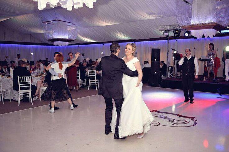 Formatii nunta Bucuresti, ANA FLAVIAN, va solicita sa vizionati site-ul nostru  pentru a va edifica asupra formatii nunta Ana Flavian.  www.formatia-anaflavian.ro