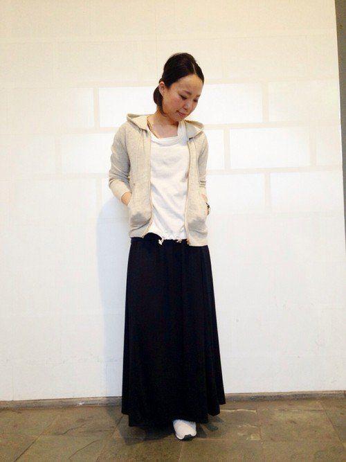 黒のロングスカートはオトナ度UP! オトナカジュアル系タイプのファッション スタイルのコーデ♡