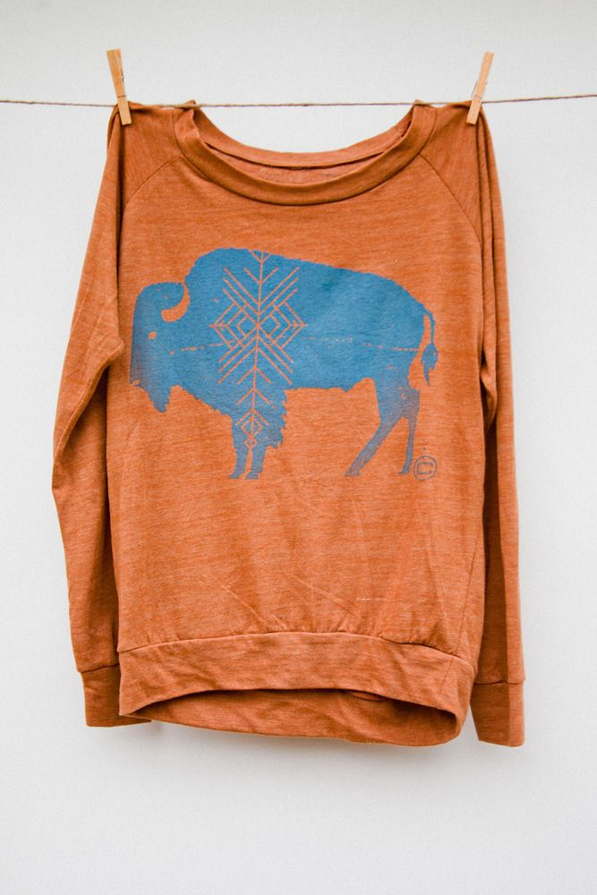 This a perfect sweatshirt! Blue, orange and bison just seem to naturally go well together!