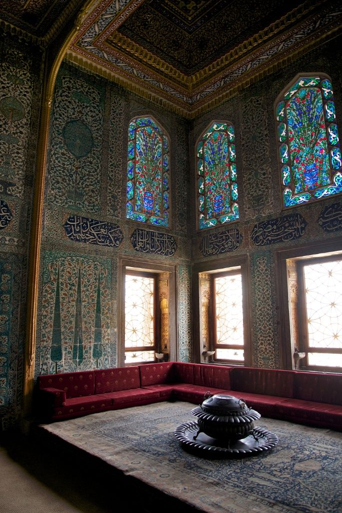 See the Apartments of the Crown Prince in the Harem at Topkapı Palace #travel #istanbul http://mikestravelguide.com/things-to-do-in-istanbul-visit-the-harem-at-topkapi-palace/