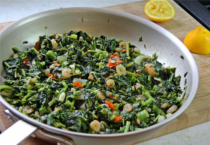 Callaloo has plenty of health benefits, so why not take advantage by preparing a delicious Jamaican sautéed callaloo recipe or a few tasty calloo patties?