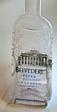 Wykorzystanie starych butelek: albo skup na wiewiorka.pl albo... splaszczenie w piekarniku i pozostawienie do dekoracji :)