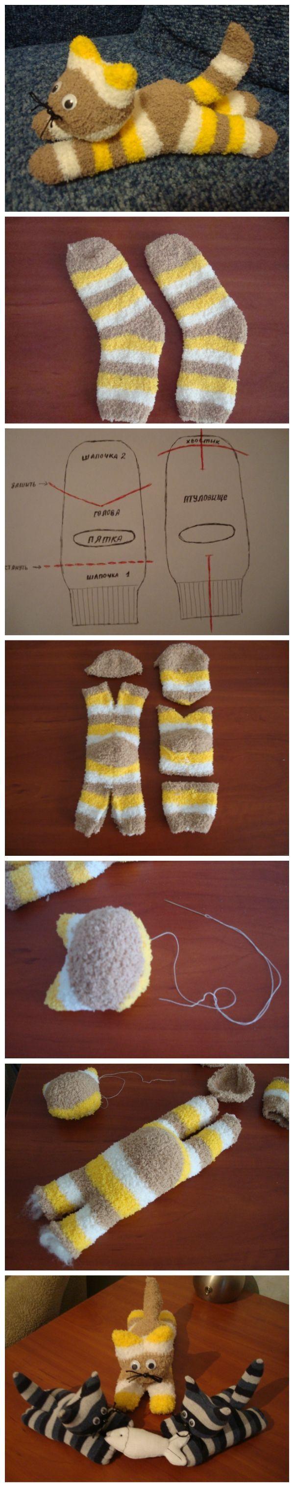 gato hecho con calcetines