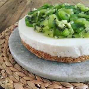 GEZONDE TAART: Frisse kiwi-taart met magere kwark, havermout en whey