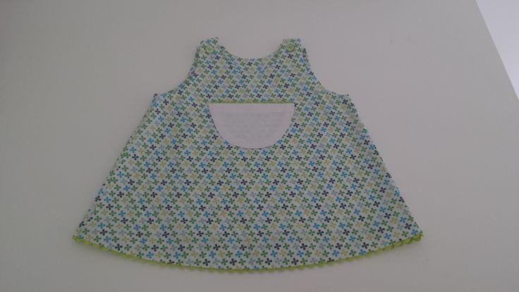 Robe d'été pour bébé verte et blanche