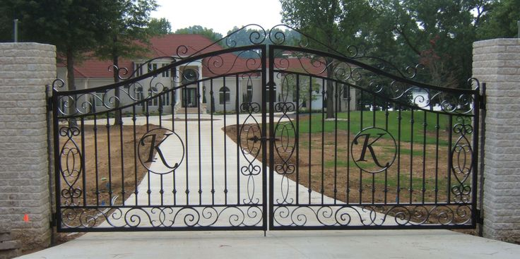 кованые ворота   We love wrought iron gate! for design ideas call 323-275 9404   Los ...