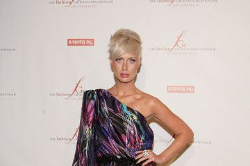 Getty Images.CariDee English, who hosts an upcoming Oxygen Network reality show about inner beauty, recently chopped her long, blonde locks into a chin-length edgy bob. She also lightened her color ...