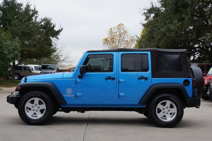 beautiful 2009 surf blue unlimited jeep wrangler sport automatic 2wd with soft top 102k. Black Bedroom Furniture Sets. Home Design Ideas