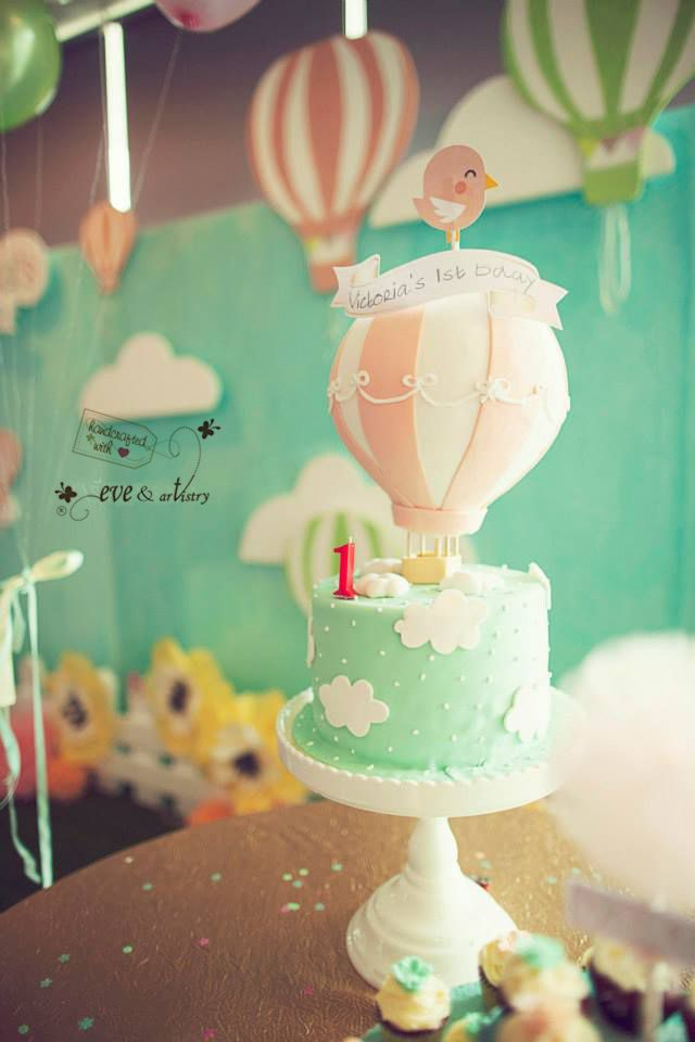 Pretty fondant cake :)