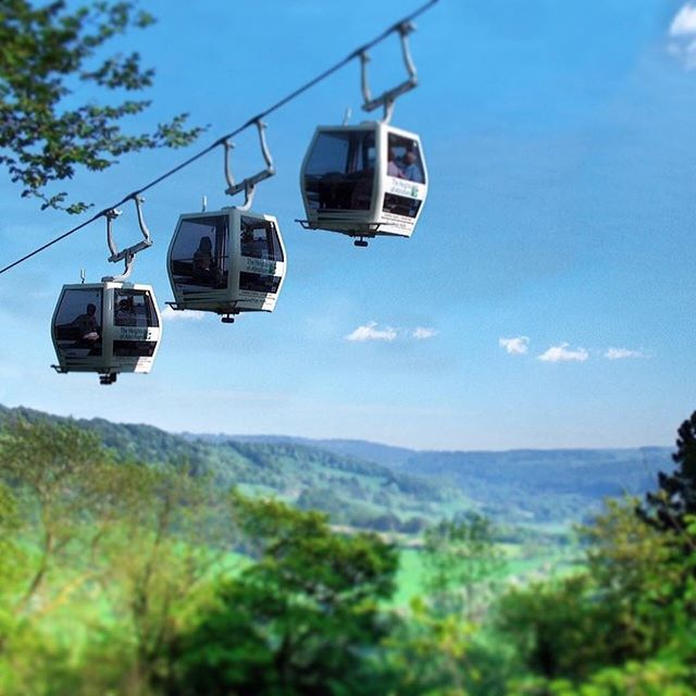 Here's a unique & memorable idea for Mother's Day. Why not treat her to a picturesque ride in a cable car high above the treetops across the picturesque Derwent Valley to the summit of Masson Hill? She's sure to be blown away by the breath-taking views  #sheepskinlife  _ : @heightsofabraham  #heightsofabraham #peakdistrict #derbyshire #wanderlust #countryside #uk #travel #traveluk #instatravel #landscape #visituk #visitbritain #landscape_lovers #liveauthentic #thehappynow #travelgram…