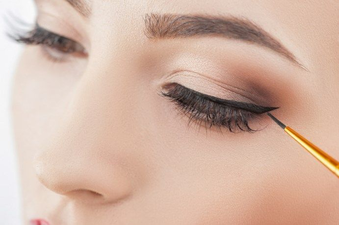 Hét hulpmiddel voor een perfecte eyeliner? Dat ligt gewoon i... - Het Nieuwsblad: http://www.nieuwsblad.be/cnt/dmf20170315_02781347?_section=18205209