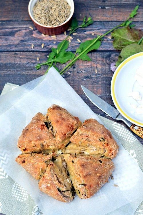 Fetás-rukkolás töltött kenyér recept