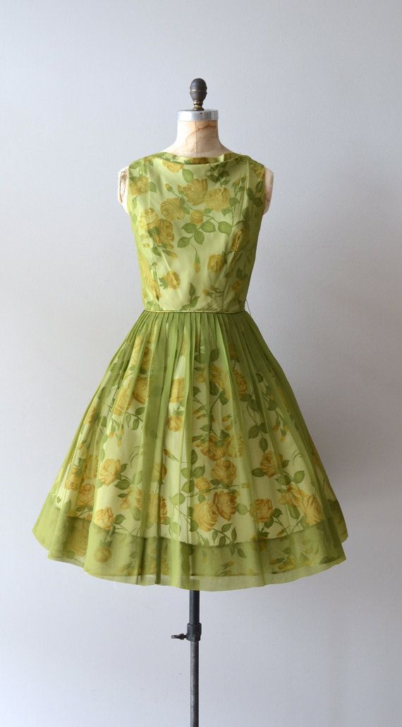 Adorable 1950s floral dress with chiffon overlay