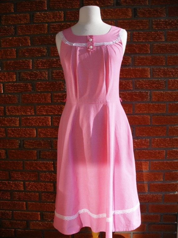 Cute Country Girl Pink Spring Summer Vintage by VintageEclectica, $39.00    It's PINK!! but too small