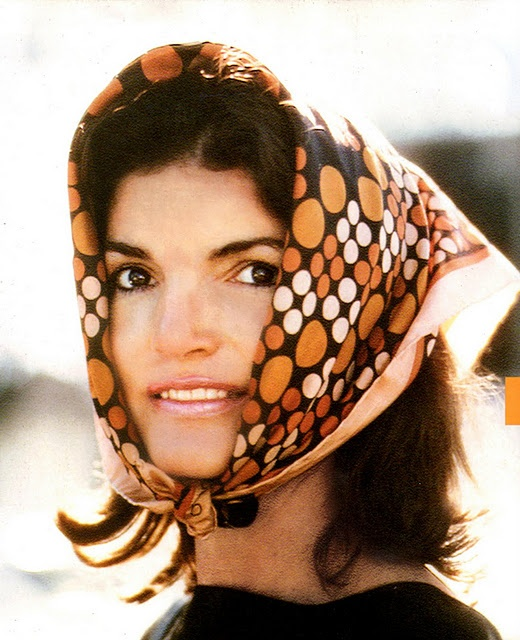jackie o.Jackie Kennedy, Headscarf, Beautiful, Style Icons, Irving Penne, Jacqueline Kennedy, Silk Scarves, Kennedy Onassis, Head Scarf