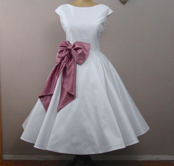 LolaRose Tea length wedding dress by RyleyandFlynnVintage on Etsy