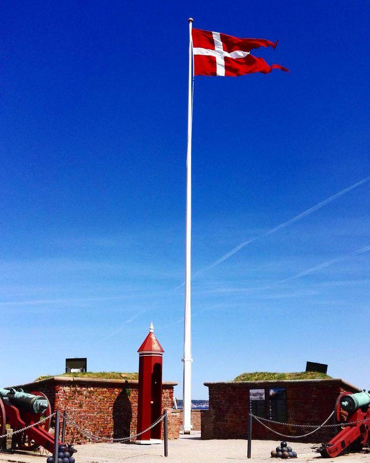 Denmark . . . . . . . . . . . . #denmark #travel #igersdaily #igersdenmark #travel #traveling #wanderlust #flag #colour #europe #photos #photoofday #spring #summer #sky