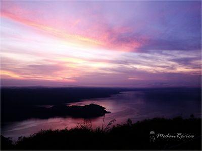 Sunrise / Matahari Terbit dari Taman Simalem Resort