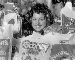 Historic Photos Perth: TWA-0026150 © WestPix General - GEN - Perth Royal Show - show bag - showbags - 1985 Lesley Constantine sports a tinsel wig