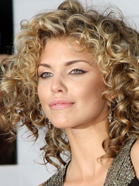 Fantastic 1000 Ideas About Naturally Curly Hairstyles On Pinterest Curly Hairstyles For Women Draintrainus
