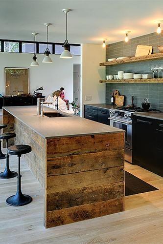 comptoir / évier - kitchen island design. Repurposed wood - comptoirs en pierre de lave Basaltina