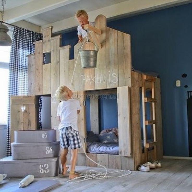 25 beste idee n over kinderkamers jongens op pinterest babykamer marine kleurige - Kamer decoratie jongen jaar ...