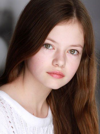 Mackenzie Foy, 13 years old, best known for her act in twilight as bellas daughter, Runesmee Cullen. (Hehe...)