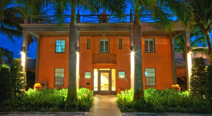 Hotel Biba West Palm Beach Located in the historic El Cid district, this landmark boutique hotel offers lavish guestrooms and thoughtful amenities one block from the Intracoastal Waterway and 1.6 km from the centre of West Palm Beach, Florida.