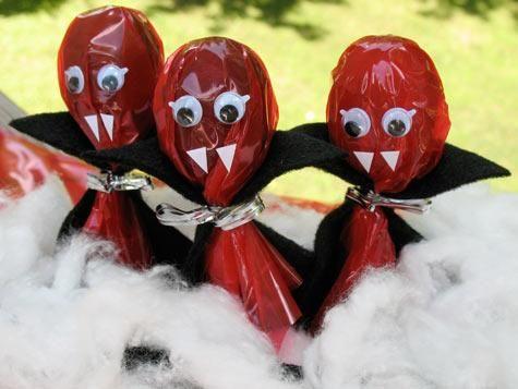 halloween crafts Vampire Lollipops