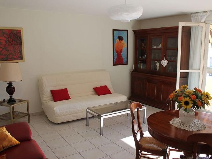 Rent this 1 Bedroom Apartment in Toulon for $111/night. Has Balcony and Air Conditioning. Read 1 review and view 21 photos…