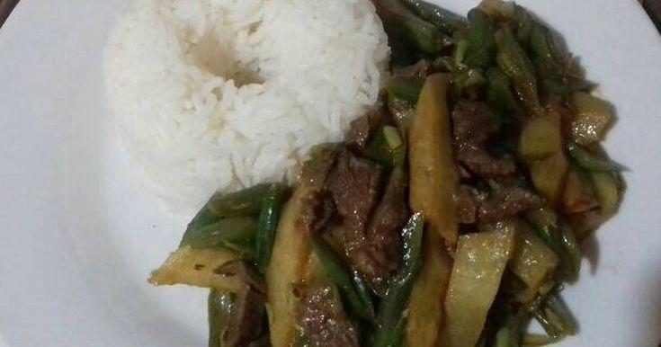 Fabulosa receta para Saltado de vainitas con sabor oriental. Me encanta prepararlo porque es muy rápido y económico para el ama de casa.