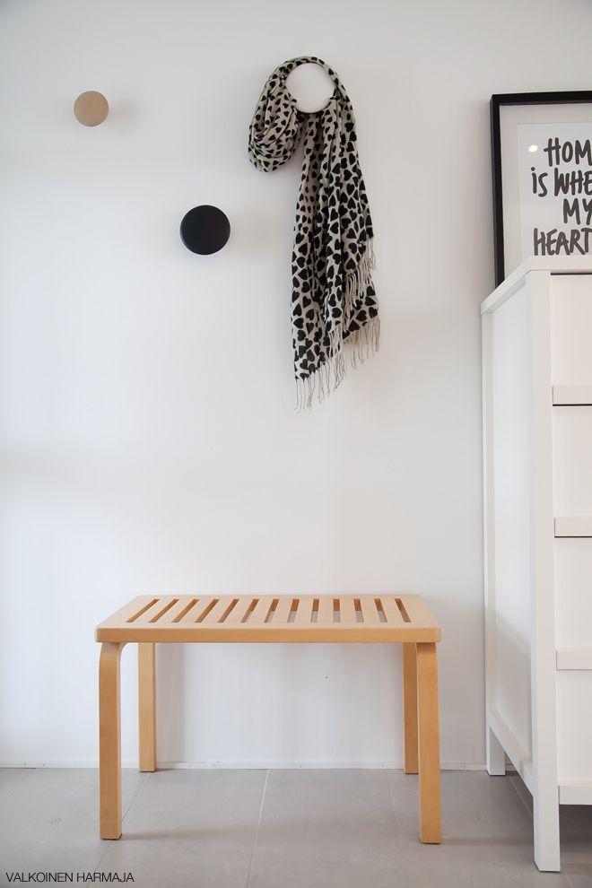 Via Valkoinen Harmaja | Hallway | Muuto The Dots