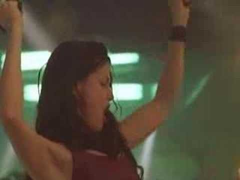 'Put some pepper spray in your purse. Even if you're not sure, just start spraying.' Coyote Ugly trailer