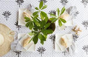 Island Banana Palms Tablecloth (180x310cm)