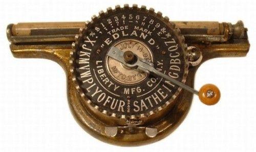 Macchine da scrivere antiche (17)