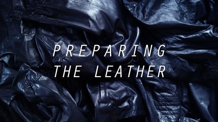 We spent a lovely Sunday with friends and family dismantling old leather jackets. After that the pieces will be cut to patterns. How long do you think it took us to prepare 20 leather jackets!