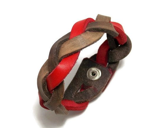This braided #leather bracelet would make a great gift for you or someone special in your life. This design is called a mystery braid. See if you can figure out how it's don... #etsymntt #like2