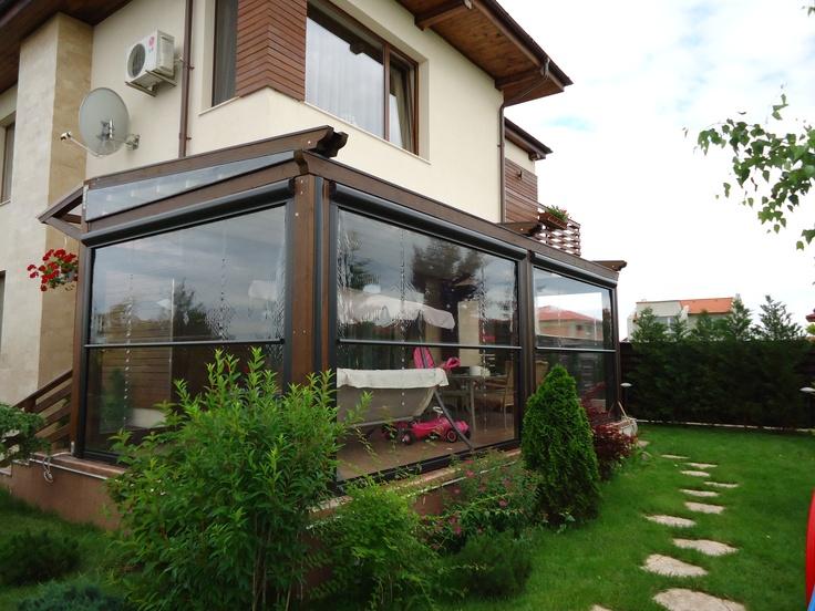 Pergole, pergole retractabile Med Elite cu structura lemn pentru terase, imagine pergola montata in Pipera, Bucuresti. Pergole din lemn de calitate superioara Gibus la un pret excelent.